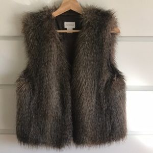 Club Monaco Faux Fur Vest L